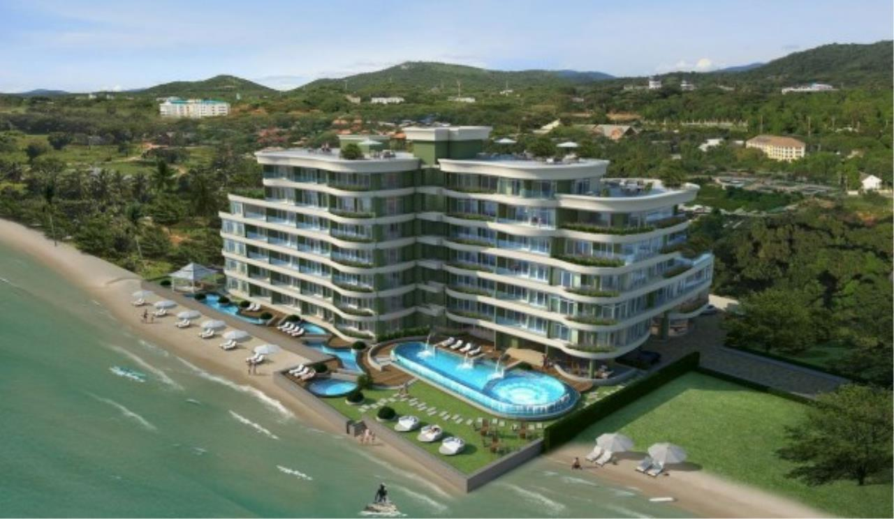 RE/MAX Town & Country Property Agency's Sea View condo 12