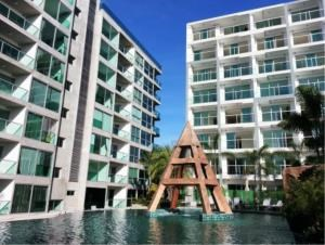 RE/MAX Town & Country Property Agency's Beachside luxury condo for sale in Wong Amat 6