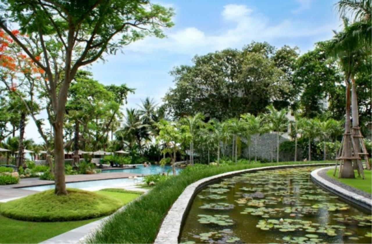 RE/MAX Town & Country Property Agency's Beachfront condo for sale in Wongamart 11