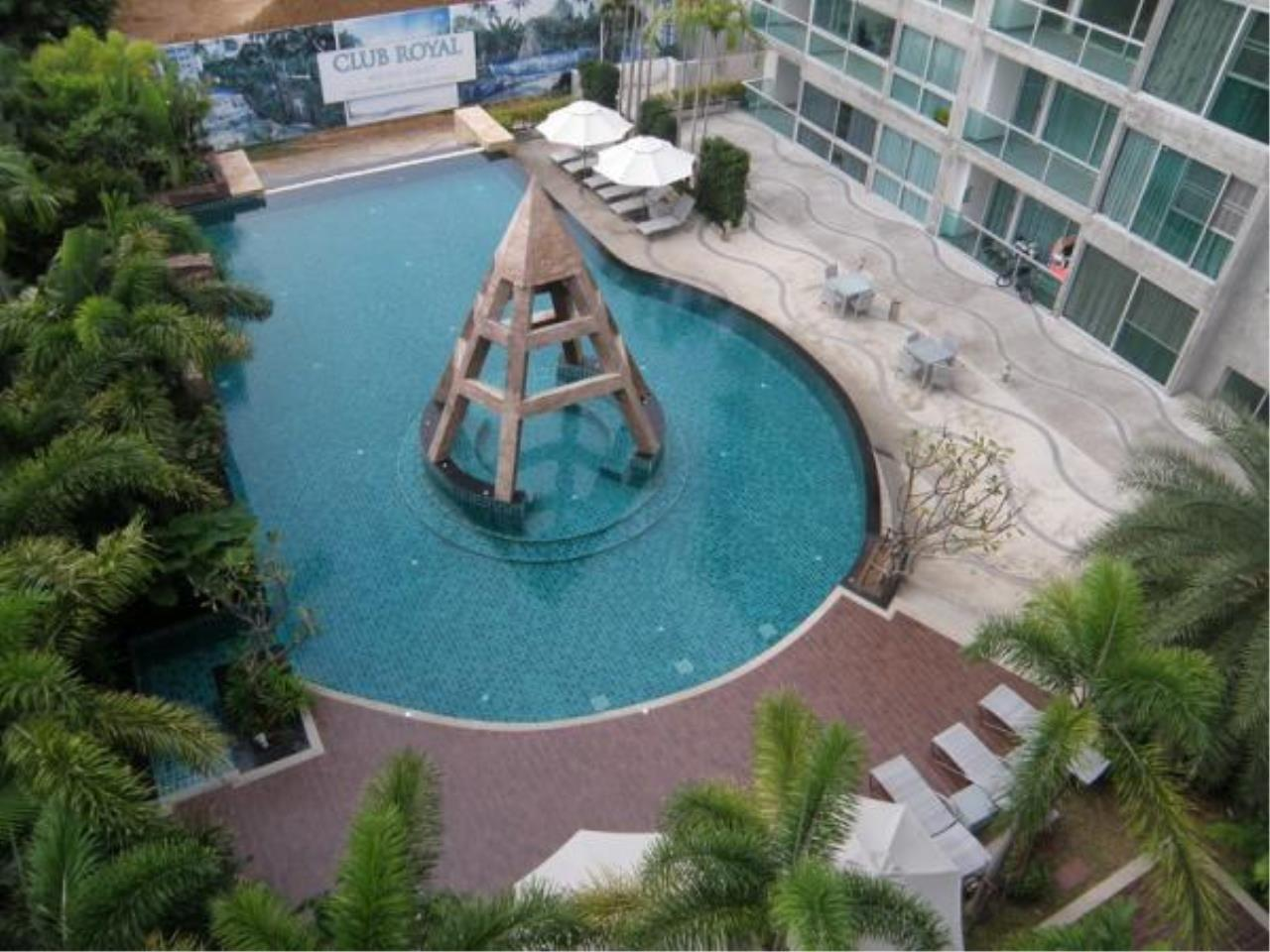 RE/MAX Town & Country Property Agency's Wong Amat studio for sale 8