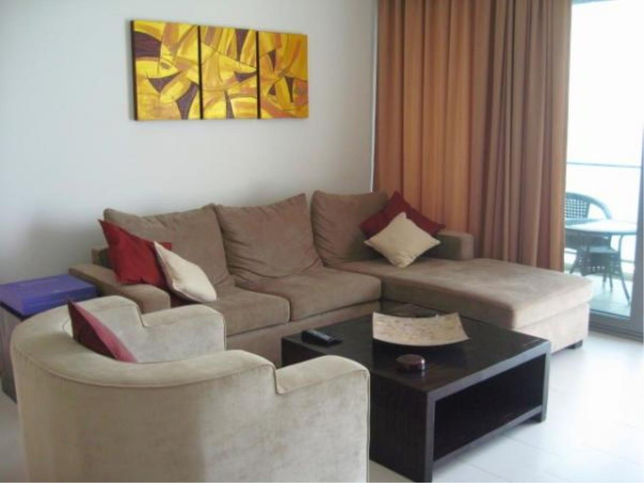 RE/MAX Town & Country Property Agency's Beach front condo for rent in Wong Amat! 2