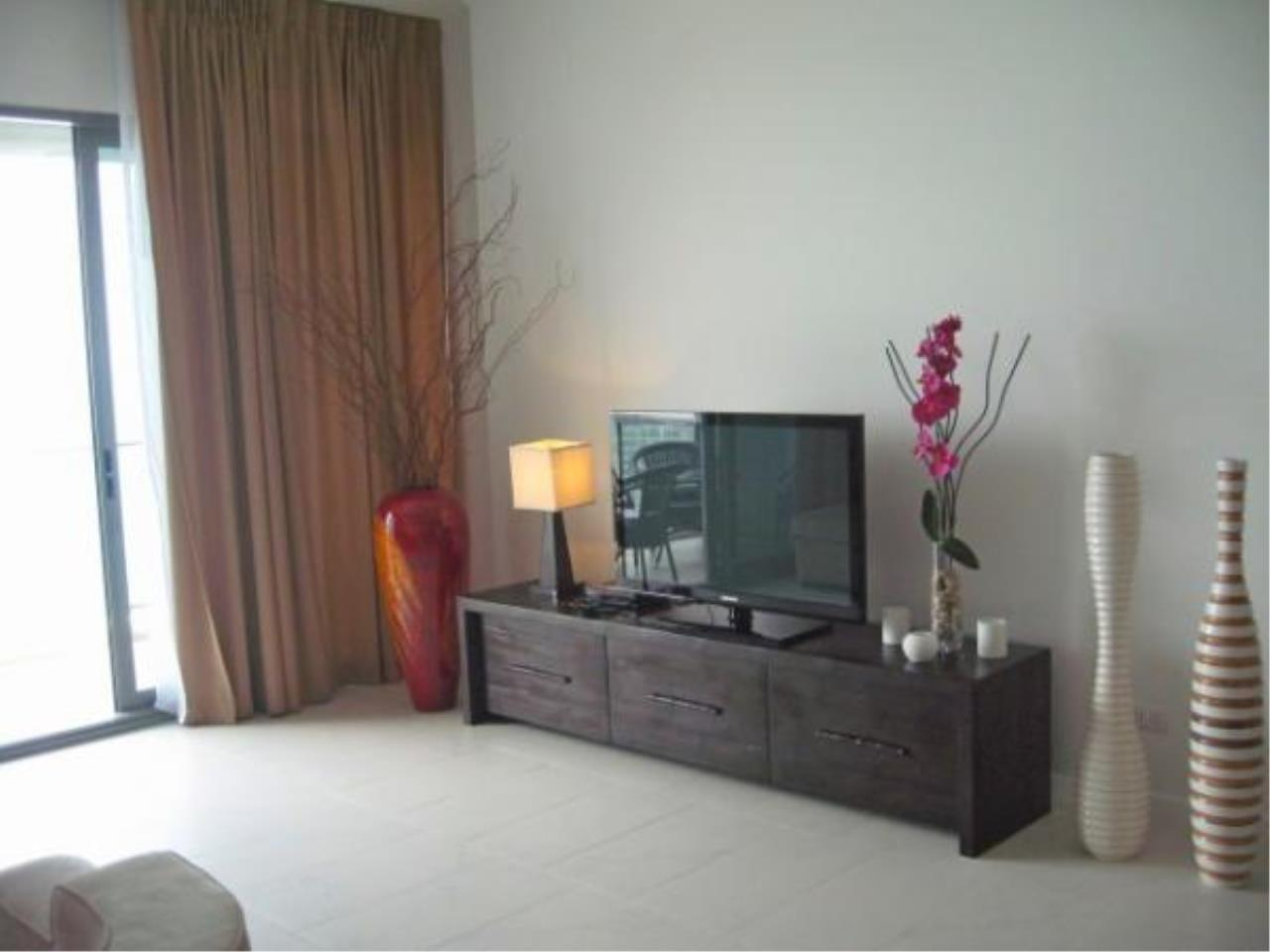 RE/MAX Town & Country Property Agency's Beach front condo for rent in Wong Amat! 3