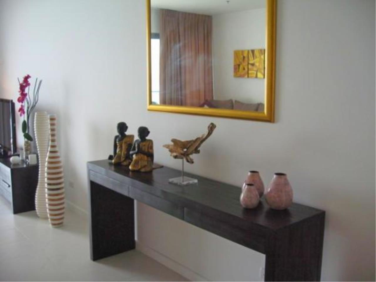 RE/MAX Town & Country Property Agency's Beach front condo for rent in Wong Amat! 4