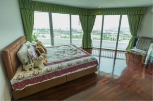 RE/MAX Town & Country Property Agency's EXCLUSIVE Beachfront condo in Wong Amart 10