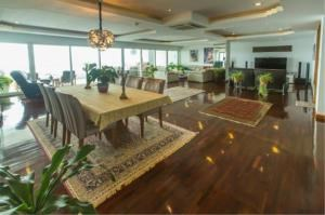 RE/MAX Town & Country Property Agency's EXCLUSIVE Beachfront condo in Wong Amart 6