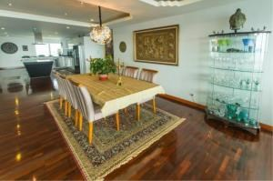 RE/MAX Town & Country Property Agency's EXCLUSIVE Beachfront condo in Wong Amart 7