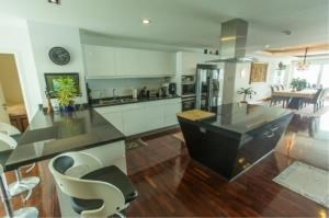 RE/MAX Town & Country Property Agency's EXCLUSIVE Beachfront condo in Wong Amart 9