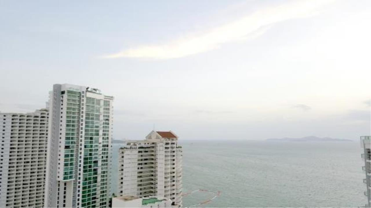 RE/MAX Town & Country Property Agency's Nice condo for rent in Naklua 4