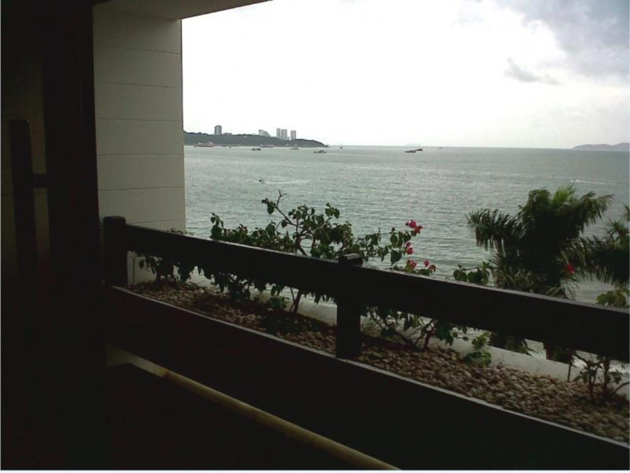 RE/MAX Town & Country Property Agency's 2 bedrooms condo  of the best ocean views in Pattaya for rent 1