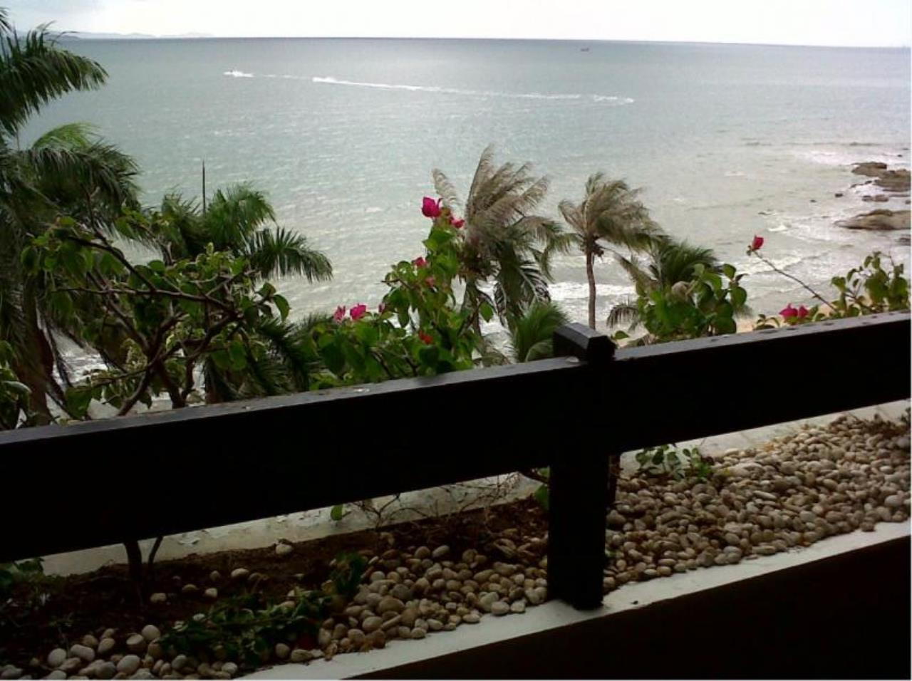 RE/MAX Town & Country Property Agency's 2 bedrooms condo  of the best ocean views in Pattaya for rent 2