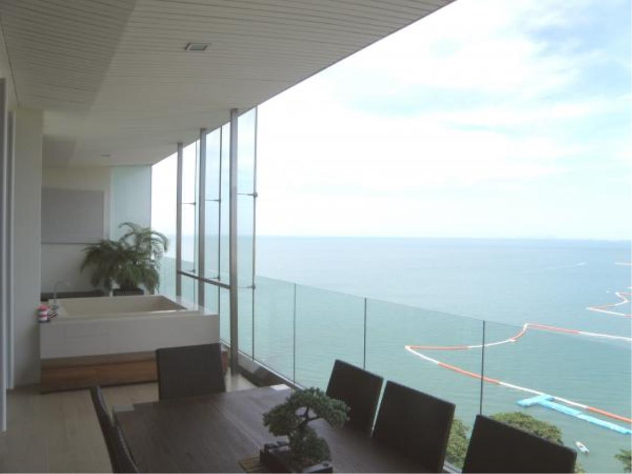 RE/MAX Town & Country Property Agency's Luxury Ocean View Apartment Wong Amart 1