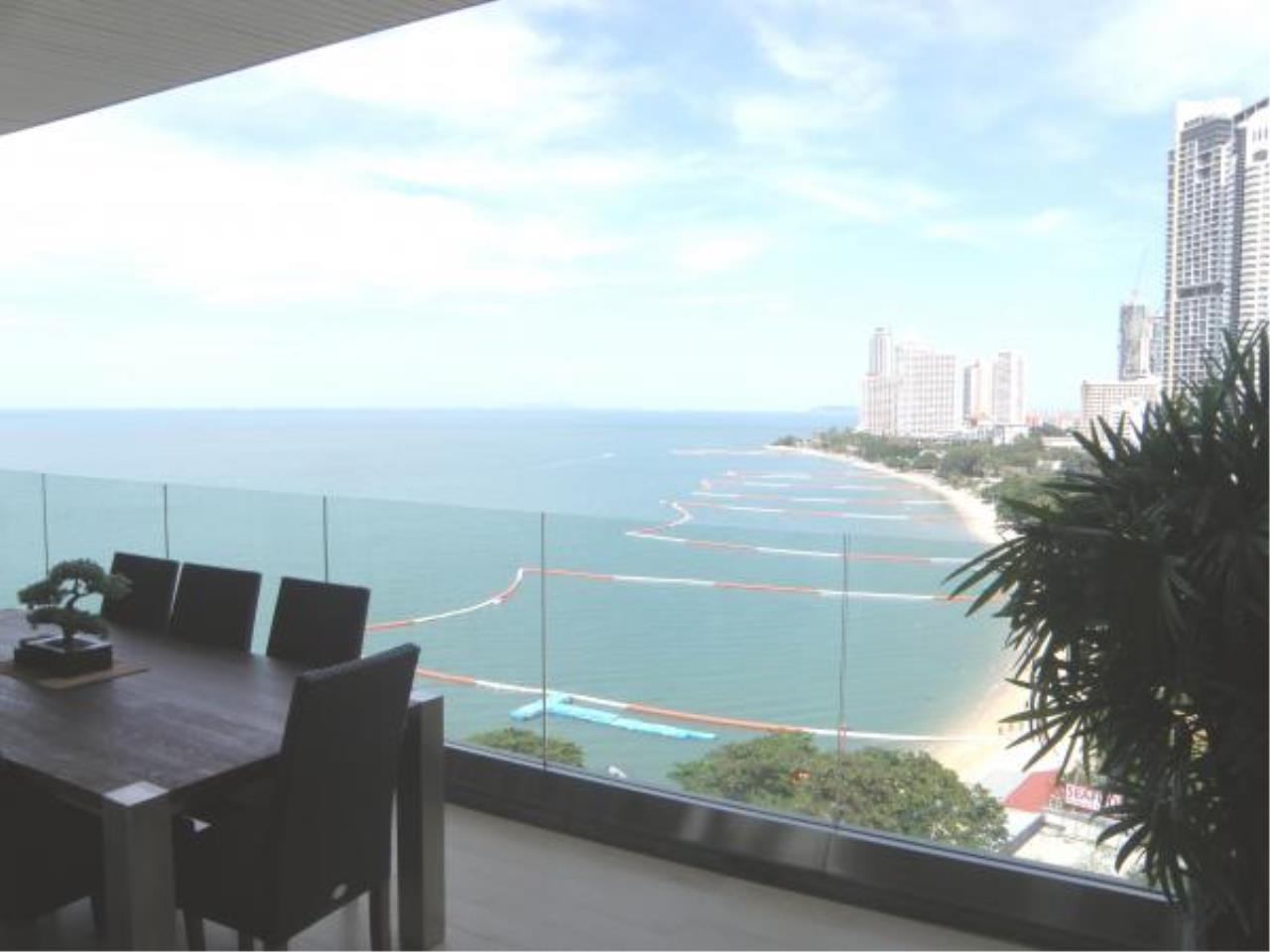 RE/MAX Town & Country Property Agency's Luxury Ocean View Apartment Wong Amart 2