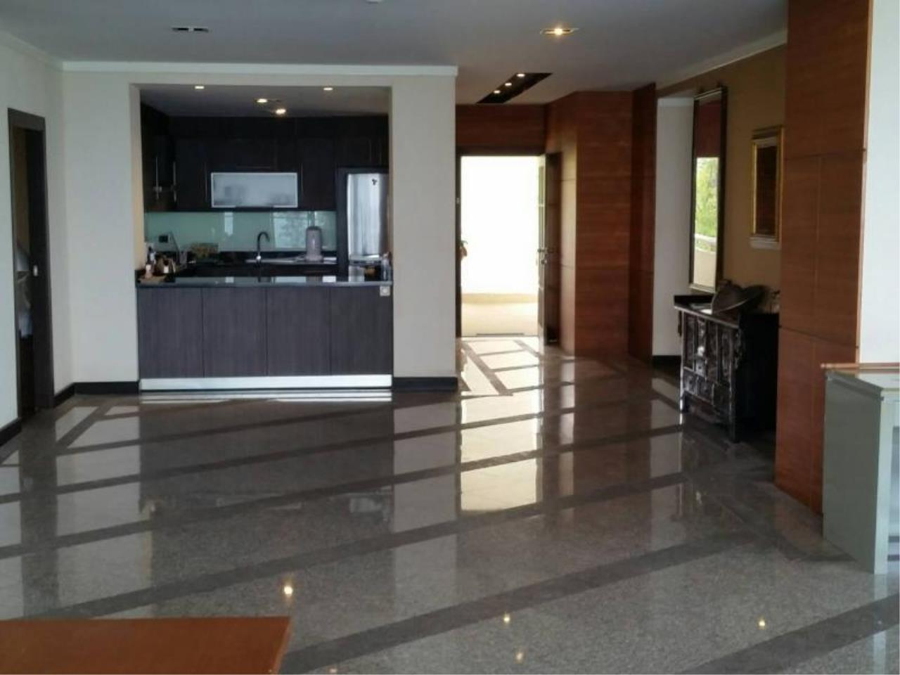 RE/MAX Town & Country Property Agency's Baan Rimpha Beach-front condo 11