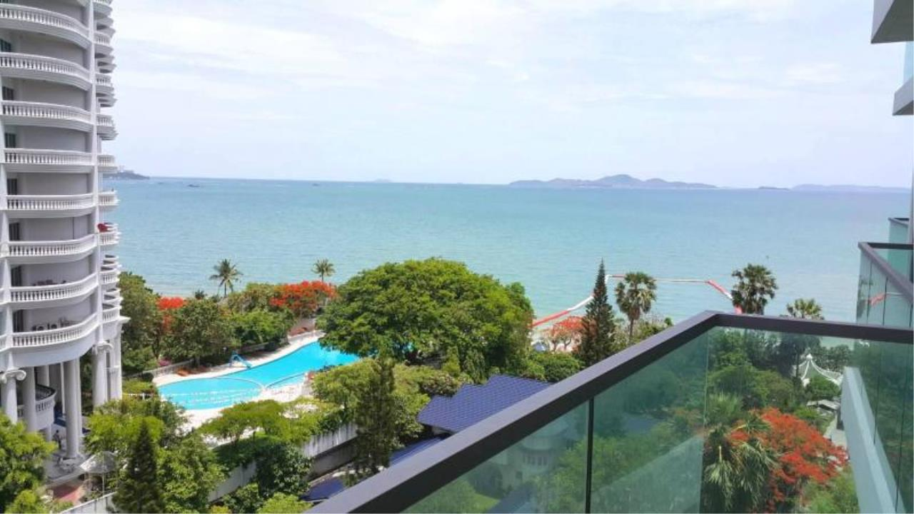 RE/MAX Town & Country Property Agency's Sea View condo for rent in  north Pattaya 1