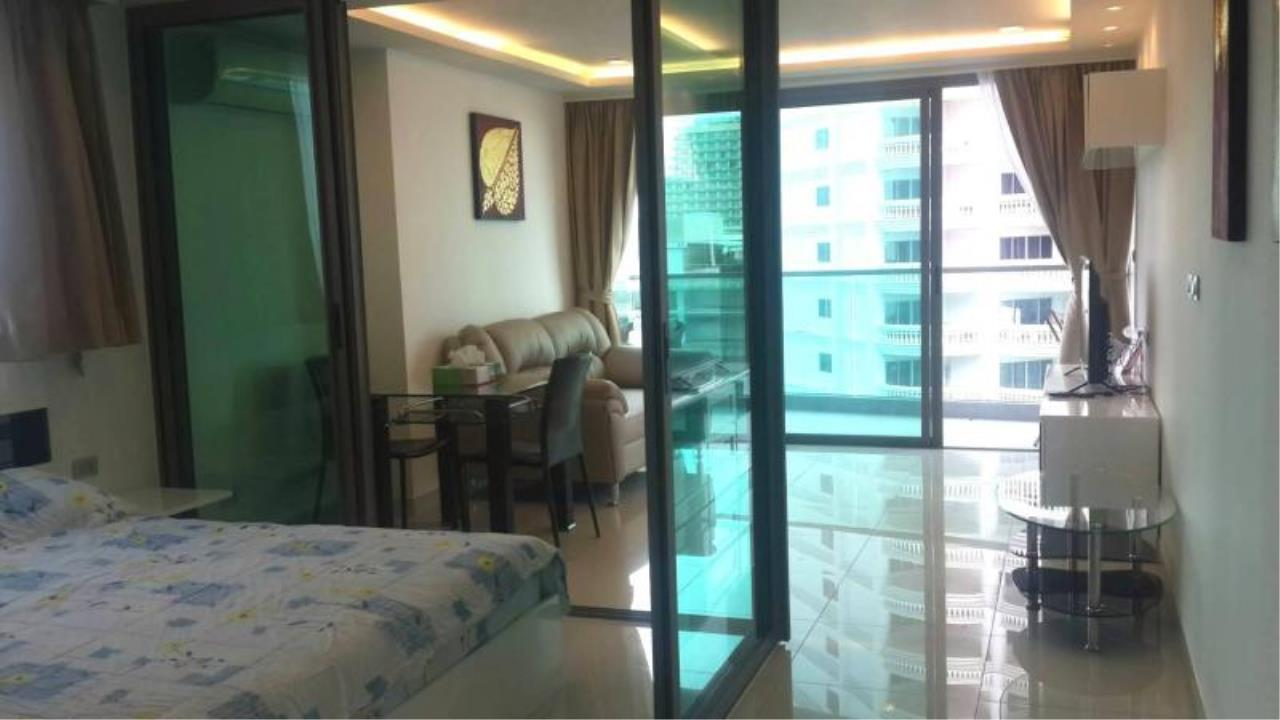 RE/MAX Town & Country Property Agency's Sea View condo for rent in  north Pattaya 10