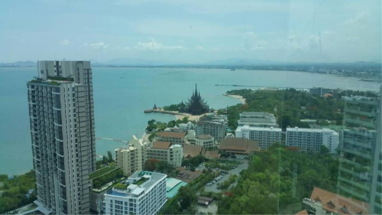 RE/MAX Town & Country Property Agency's Sea View condo for rent in  north Pattaya 2