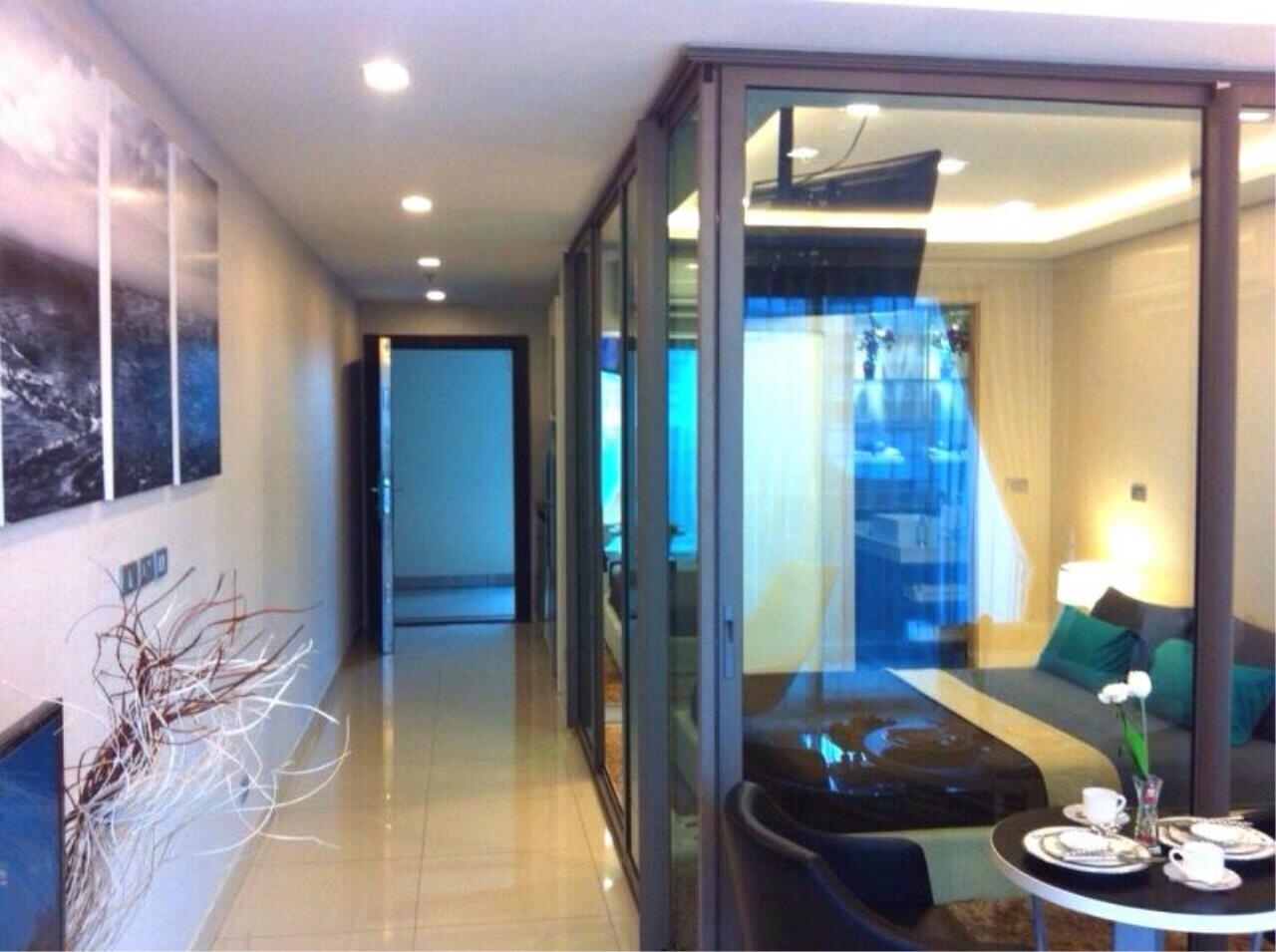 RE/MAX Town & Country Property Agency's Sea View condo for rent in  north Pattaya 6
