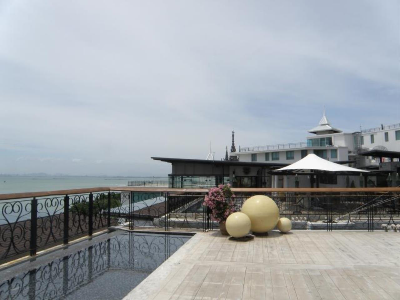RE/MAX Town & Country Property Agency's Luxury Sea View Condo in Naklua 6