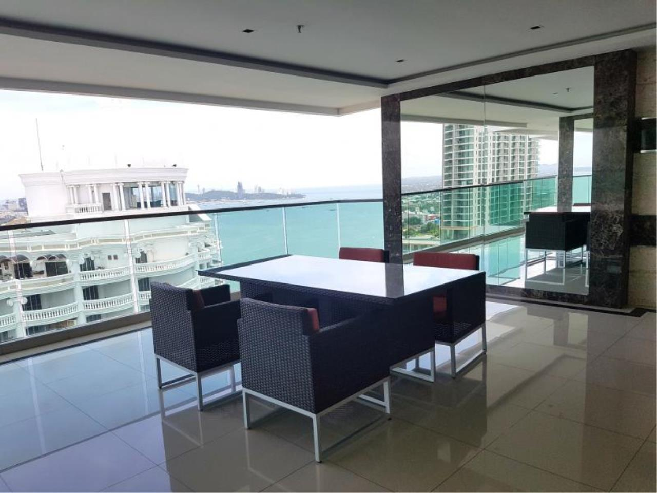 RE/MAX Town & Country Property Agency's Nice Beachfront Project in Nakhua 4