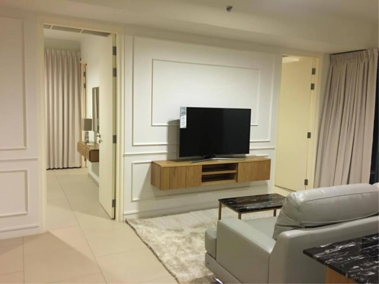 RE/MAX Town & Country Property Agency's Beach front condo in Wong Amat 8