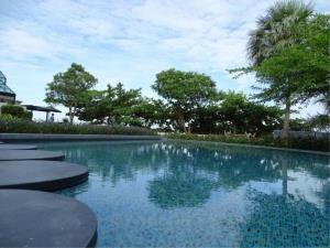 RE/MAX Town & Country Property Agency's Beautiful beachfront condo 2