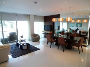 RE/MAX Town & Country Property Agency's Beautiful beachfront condo 5