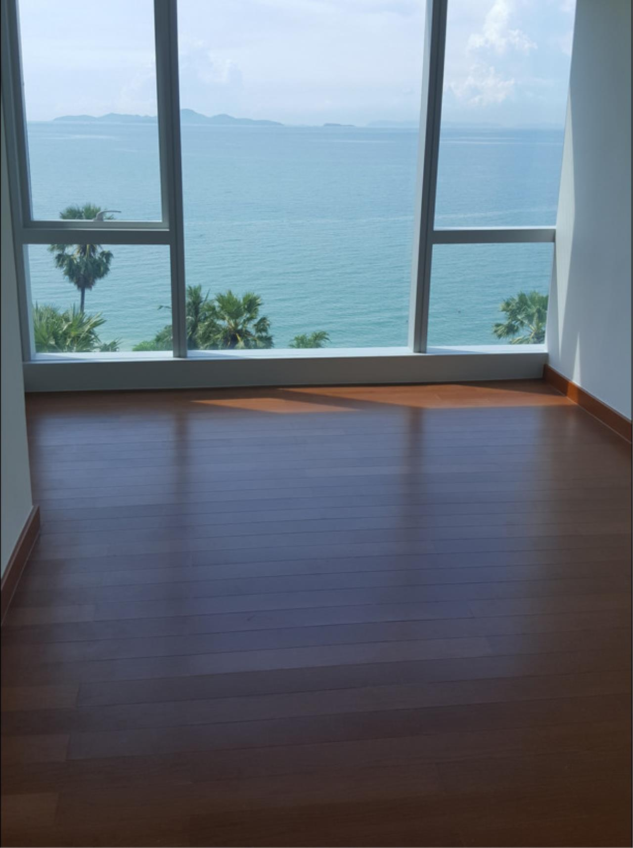 RE/MAX Town & Country Property Agency's Beachfront Condo in Naklua 9