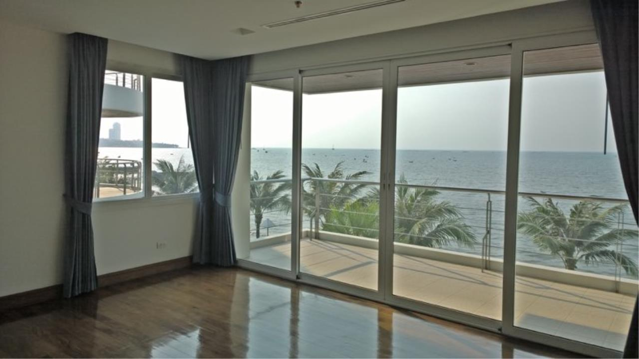 RE/MAX Town & Country Property Agency's Luxury Sea view condo in Nakhua 11