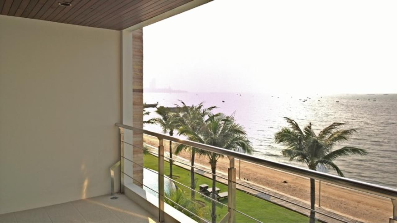 RE/MAX Town & Country Property Agency's Luxury Sea view condo in Nakhua 2