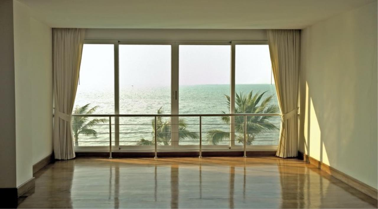 RE/MAX Town & Country Property Agency's Luxury Sea view condo in Nakhua 5