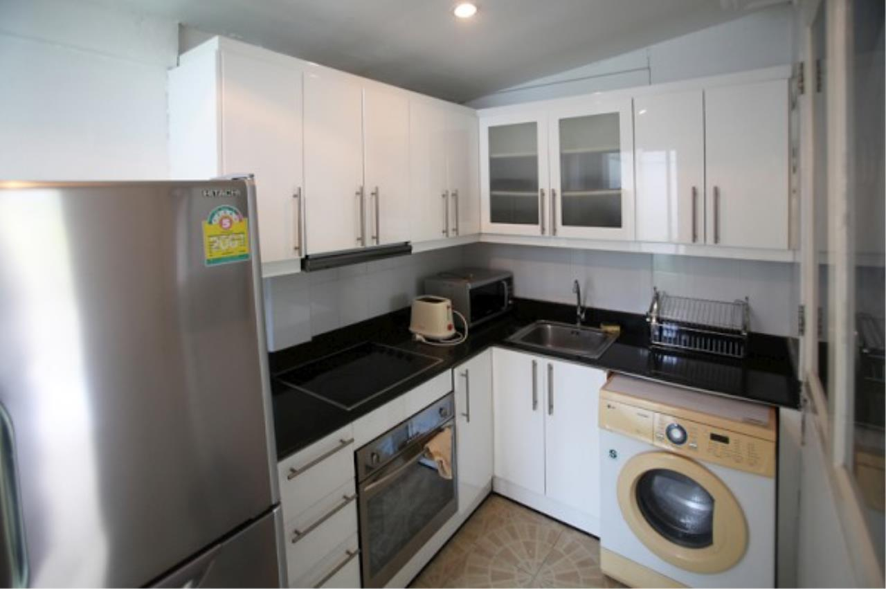RE/MAX Town & Country Property Agency's Very nice complex of 14 town-houses 5