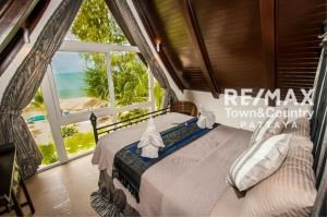 RE/MAX Town & Country Property Agency's Koh Chang Beach-front villas 10