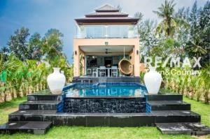 RE/MAX Town & Country Property Agency's Koh Chang Beach-front villas 1