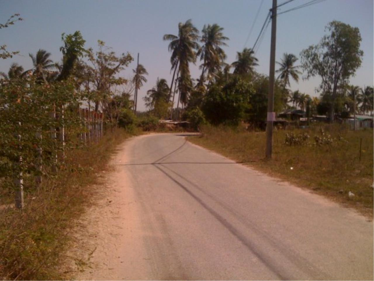 RE/MAX Town & Country Property Agency's Land close to Laem Chabang Port 3