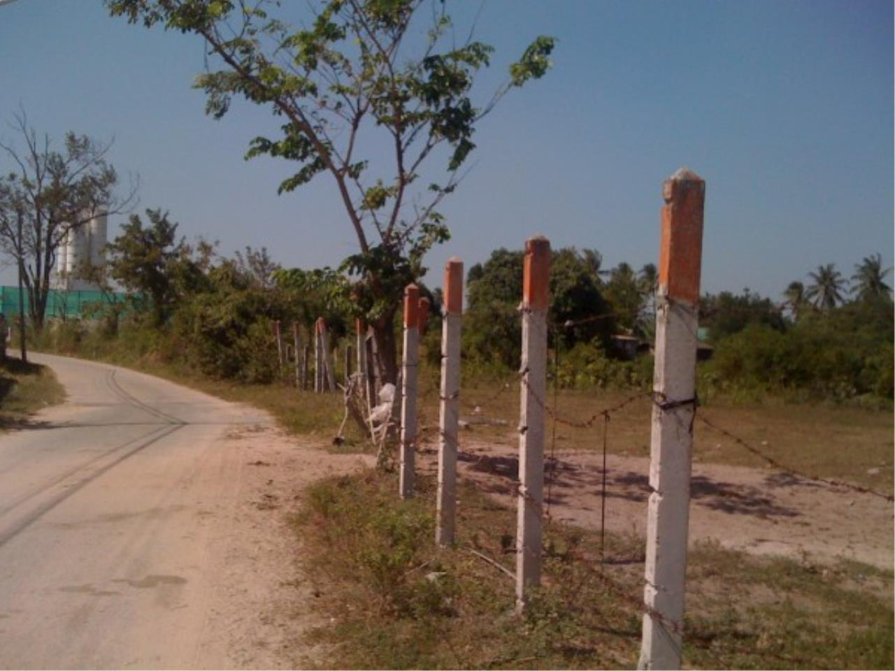 RE/MAX Town & Country Property Agency's Land close to Laem Chabang Port 4