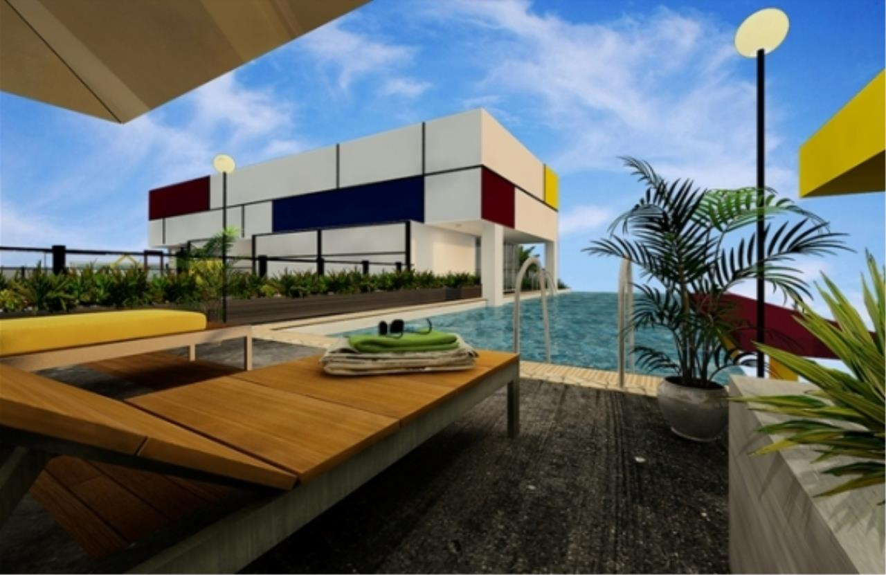 RE/MAX Town & Country Property Agency's Brand new condo in Pratamnak Hill 10