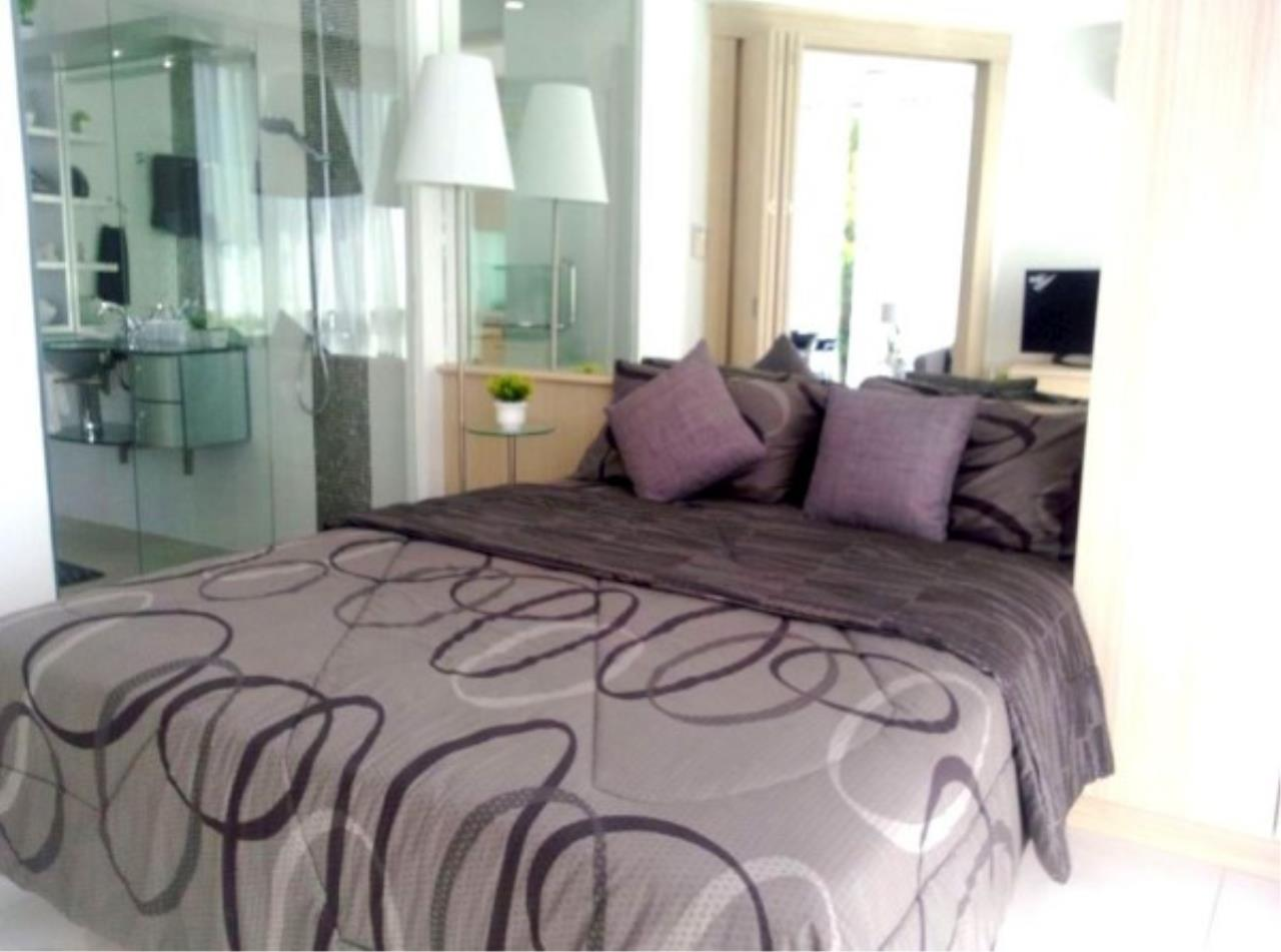 RE/MAX Town & Country Property Agency's Large one bedroom condo for sale on Pratumnak 1