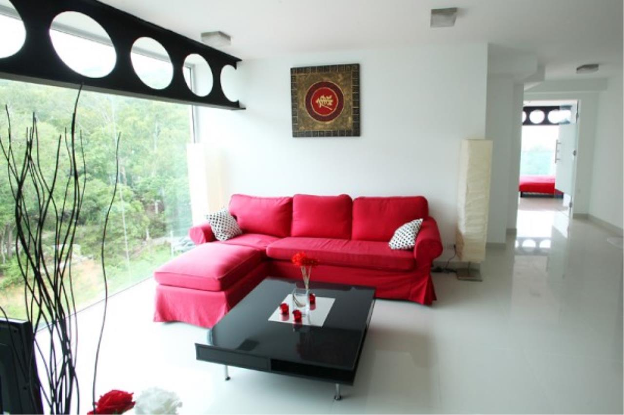 RE/MAX Town & Country Property Agency's Designer 2 bedroom in Pratumnak.. 1