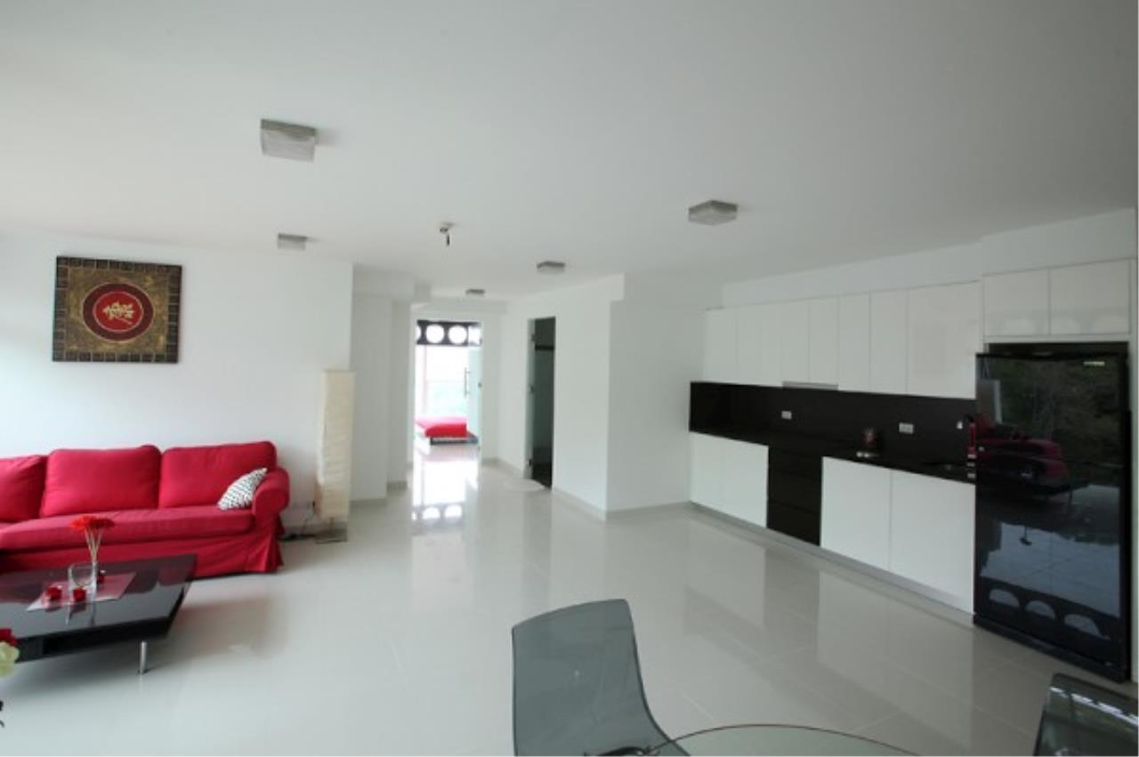 RE/MAX Town & Country Property Agency's Designer 2 bedroom in Pratumnak.. 2