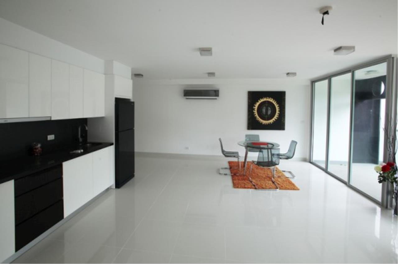 RE/MAX Town & Country Property Agency's Designer 2 bedroom in Pratumnak.. 4