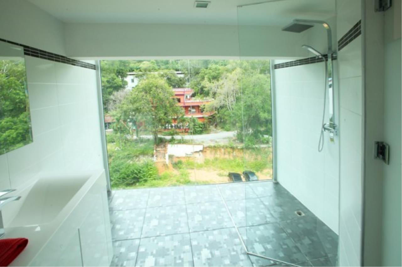 RE/MAX Town & Country Property Agency's Designer 2 bedroom in Pratumnak.. 9