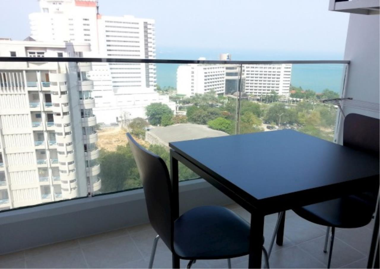 RE/MAX Town & Country Property Agency's One bedroom condo for sale 1