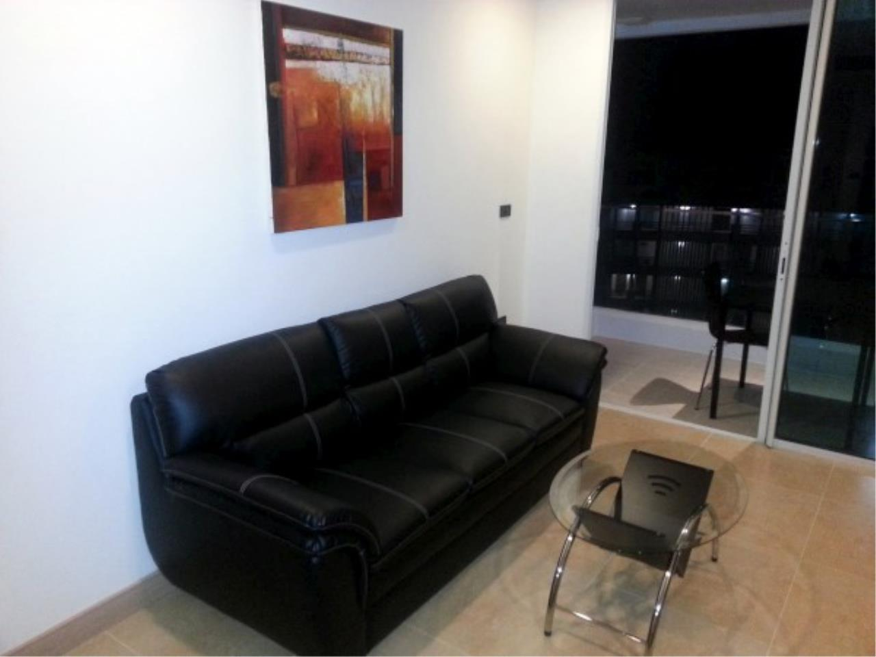 RE/MAX Town & Country Property Agency's One bedroom condo for sale 4