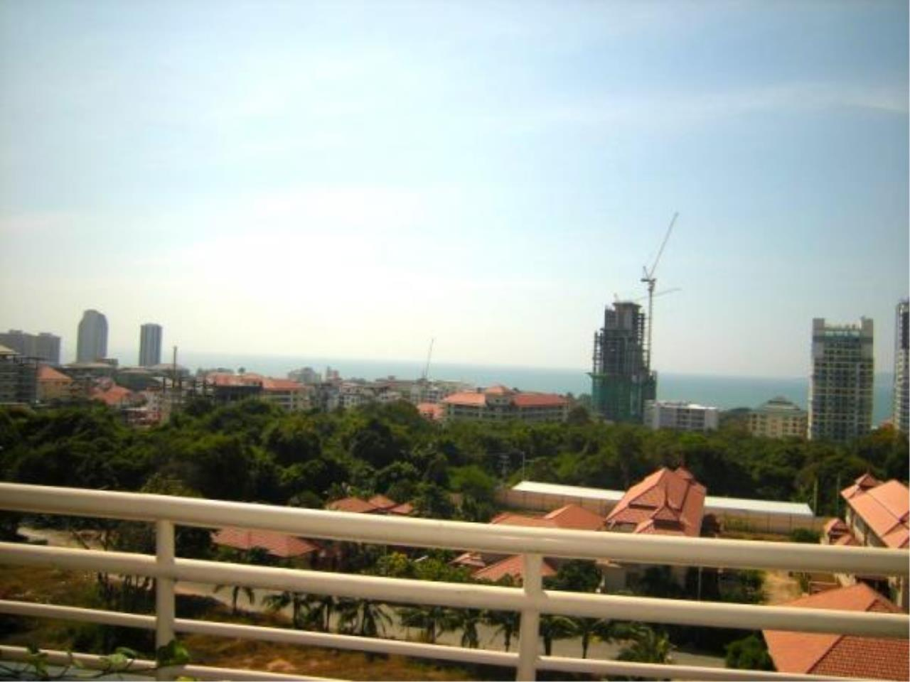 RE/MAX Town & Country Property Agency's Sea view condo for sale! 10