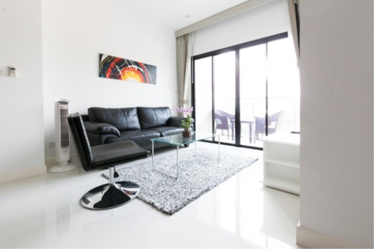 RE/MAX Town & Country Property Agency's 2 bedroom condo for sale and rent 2