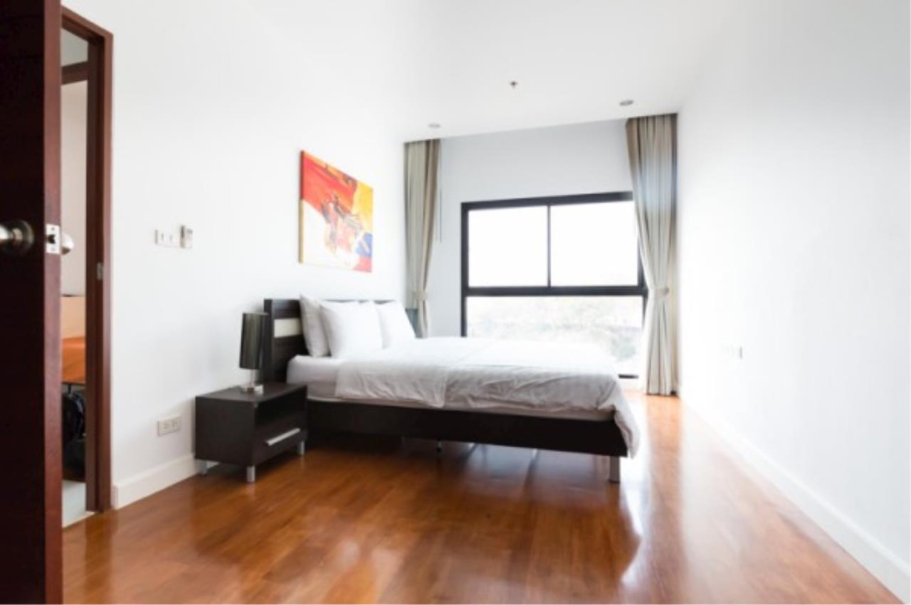 RE/MAX Town & Country Property Agency's 2 bedroom condo for sale and rent 4