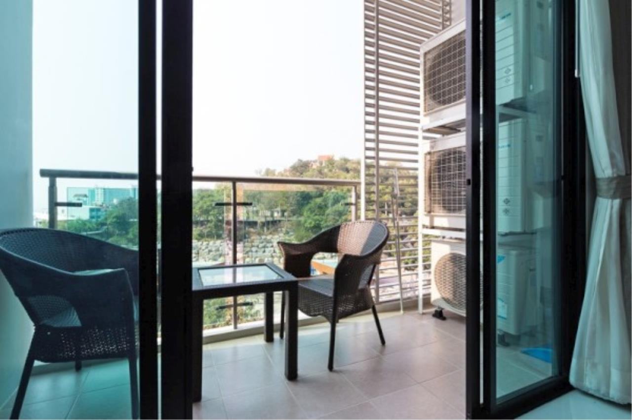 RE/MAX Town & Country Property Agency's 2 bedroom condo for sale and rent 9