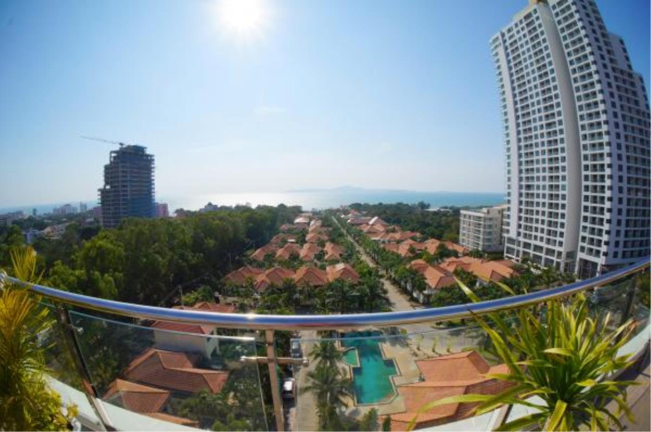 RE/MAX Town & Country Property Agency's Nice condo for sale or rent in Pratumnak 9