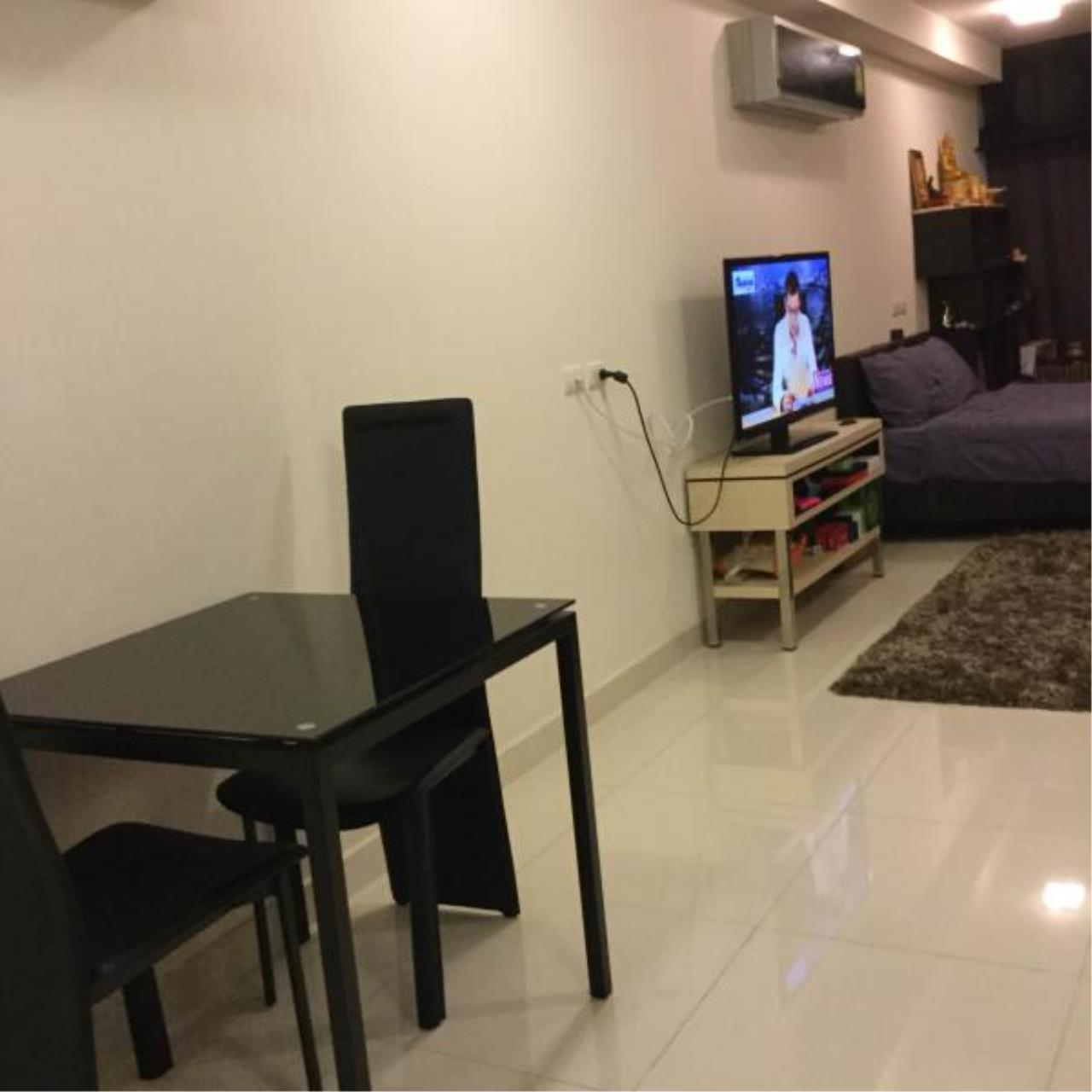 RE/MAX Town & Country Property Agency's Nice studio for sale in Pratamnak 8