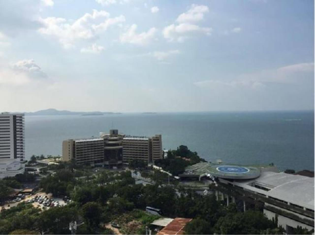 RE/MAX Town & Country Property Agency's Nice condo for sale in Pratamnak 4